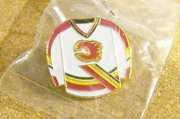 Calgary Flames white jersey lapel pin made by Carbo